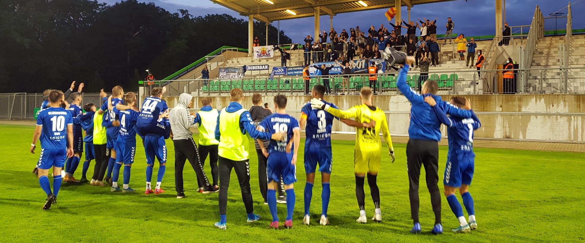 Schmidt mit der Pike, VfB erkämpft Auswärtssieg