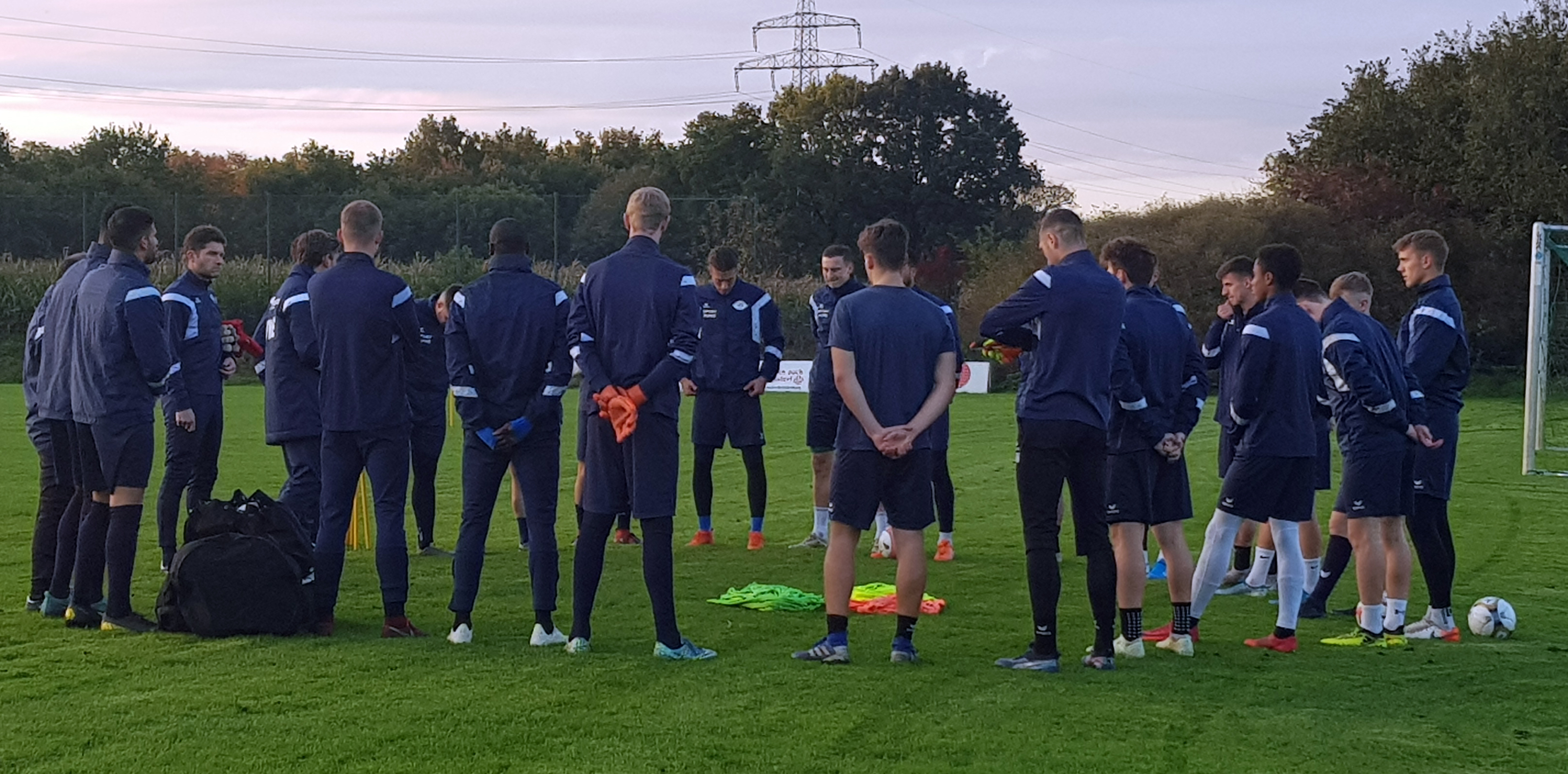 https://vfb-oldenburg.de/wp-content/uploads/Training-7.jpg